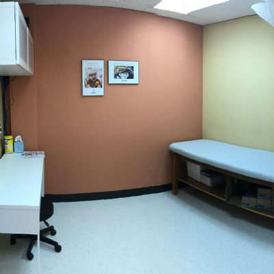 Patient treatment / consultation room at our St. Louis clinic.